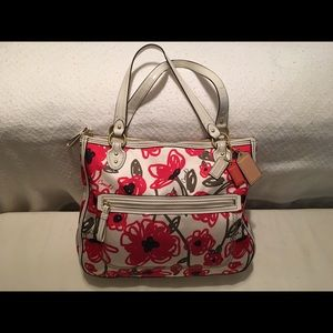 Coach East West Hallie Tote